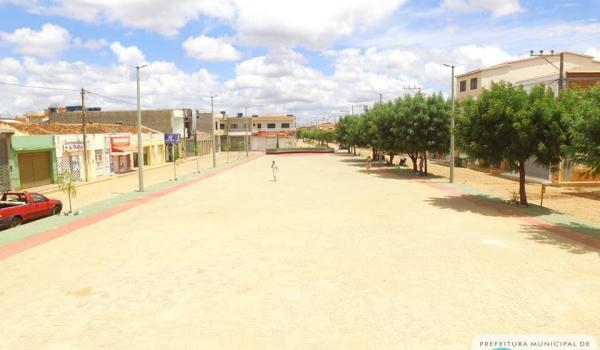 Imagens da Praça de Eventos  e Parque Tanque Grande