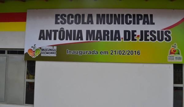 Imagens da Inauguração do Prédio da Unidade Escolar Antônia Maria de Jesus - Povoado de Poços.