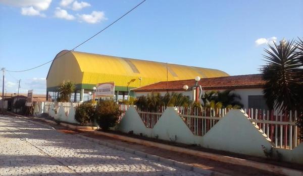Pavimentação e Cobertura da quadra na Escola Rui Barbosa no Povoado de Lagoa Preta