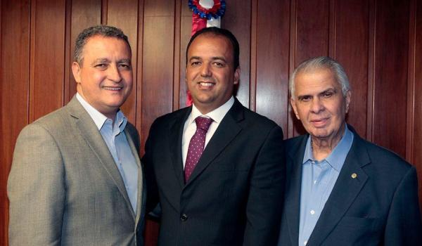 PREFEITO FREDSON SOUZA DE MULUNGU DO MORRO EM AUDIÊNCIA COM O GOVERNADOR DO ESTADO DA BAHIA, RUI CONSTA.